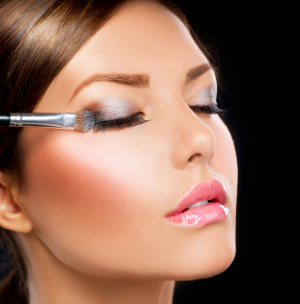 How To Apply Eyeshadow And Eye Makeup Like A BOSS! (With Tips And Tricks)